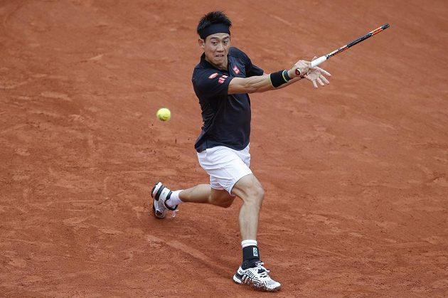 Japonec Kei Nišikori v úvodním kole Roland Garros.