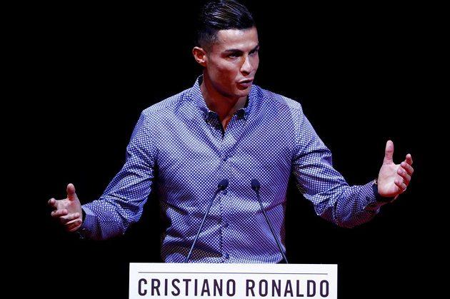 Cenu pro sportovní legendy dostal v Madridu hvězdný fotbalista Cristiano Ronaldo.