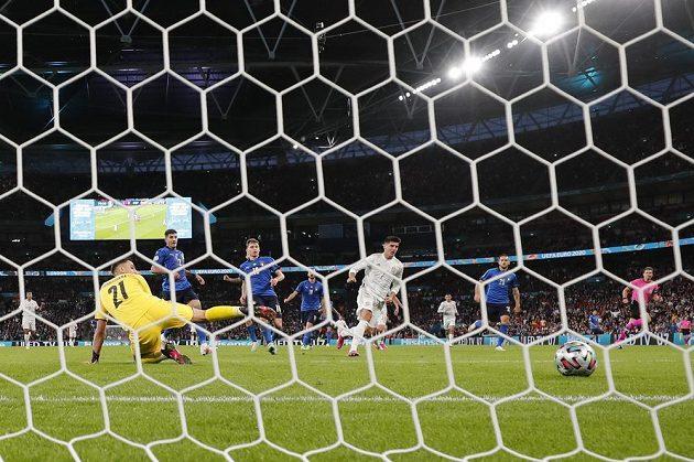 Střídající španělský útočník Álvaro Morata srovnal v řádné hrací době stav semifinále EURO na 1:1.