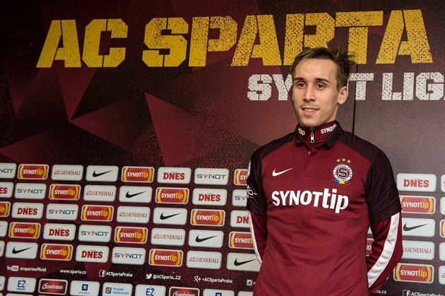 Nová posila Sparty Josef Šural během tiskové konference v Praze.