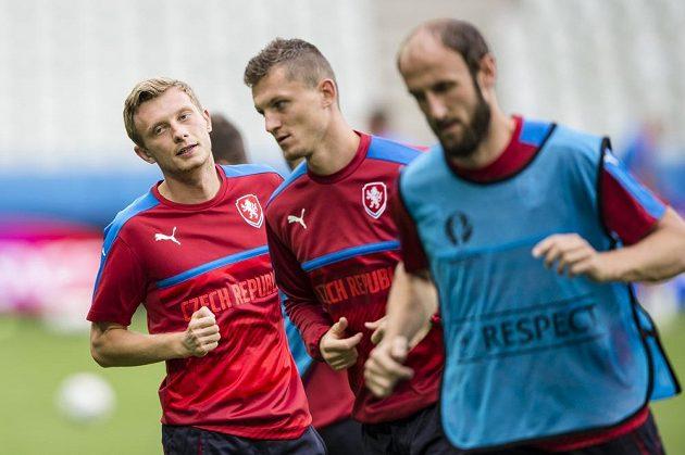 Čeští fotbalisté na tréninku v St. Étienne. Zleva Ladislav Krejčí, Tomáš Necid a Roman Hubník.