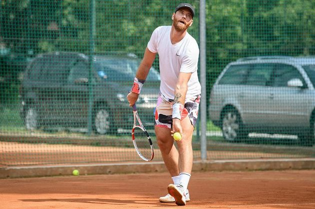 Martin Havlát během tenisového turnaje hokejových osobností 27. června 2020 v Berouně.