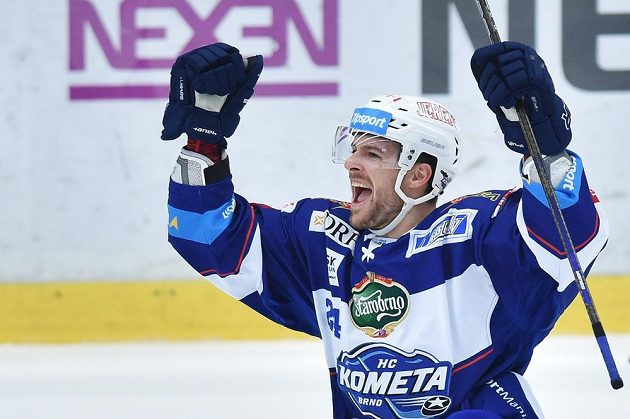 Michal Gulaši z Komety Brno se raduje z gólu proti Mladé Boleslavi.