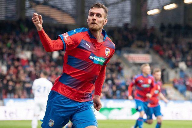 Tomáš Chorý z Viktorie Plzeň oslavuje gól na 1:1 proti Ostravě.