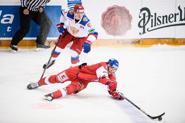 Kirill Kirsanov z Ruska a český útočník Lukáš Radil