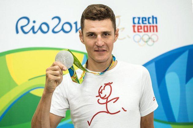 Biker Jaroslav Kulhavý se stříbrnou medailí z LOH 2016 z brazilského Rio de Janeira.