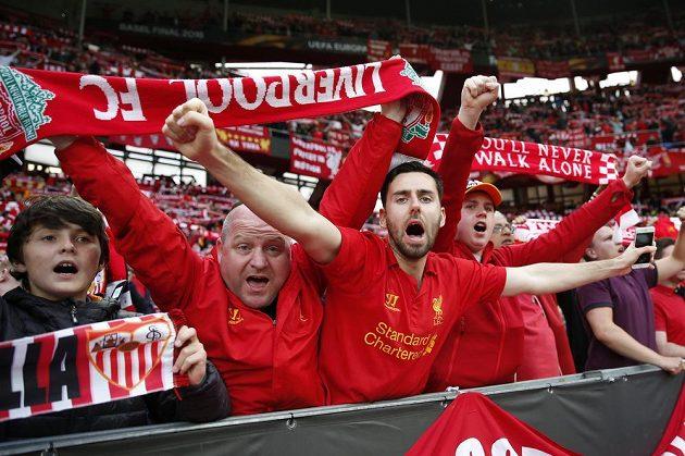 Fanoušci Liverpoolu při finále evropské ligy v Basileji.