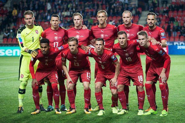 Mužstvo české reprezentace před utkáním s Německem.