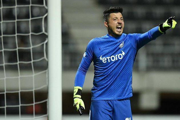 Brankář Kluže Cristian Bălgrădean.