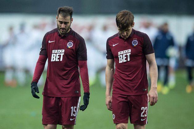 Fotbalisté Sparty Néstor Albiach (vlevo) a Josef Šural po utkání v Mladé Boleslavi.