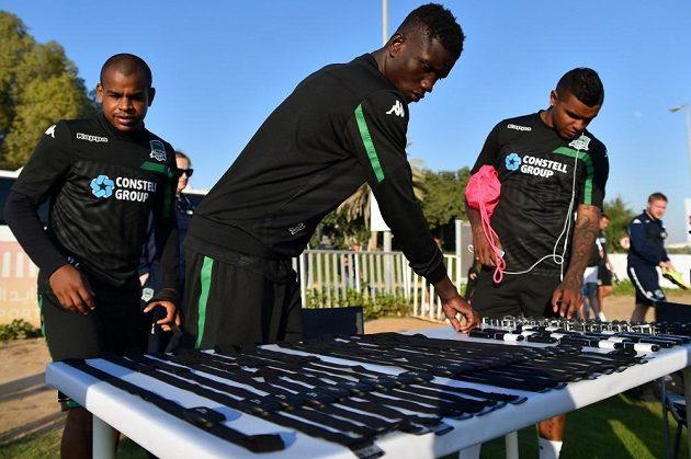Hráči Krasnodaru jsou na tréninku pod kontrolou moderní techniky, kterou si právě vybírají...