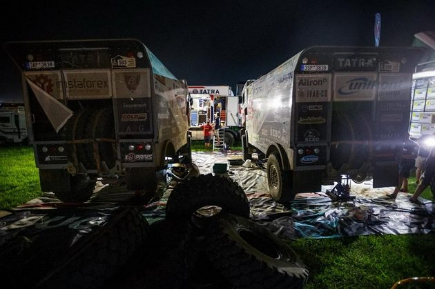 Tatry týmu Buggyra v bivaku po druhé etapě Rallye Dakar.