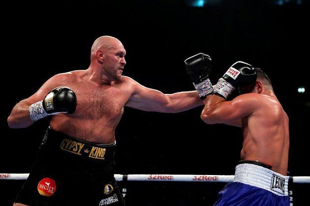 Britský boxer Tyson Fury má za sebou vítězný návrat do ringu, vyhrál nad Albáncem Seferem Seferim.