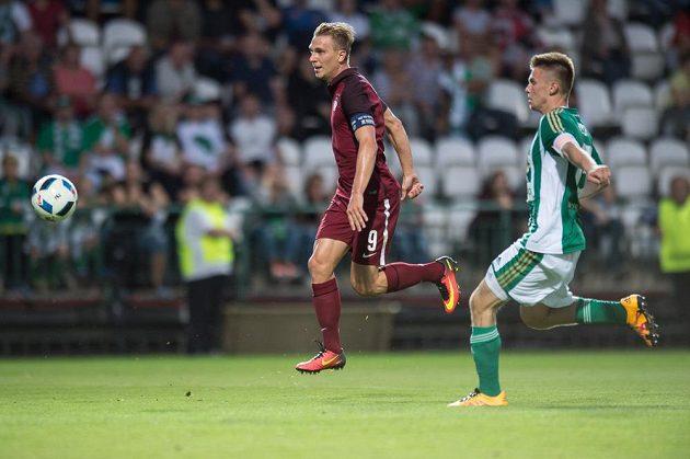 Bořek Dočkal ze Sparty Praha střílí gól na 2:0 v derby na Bohemians.