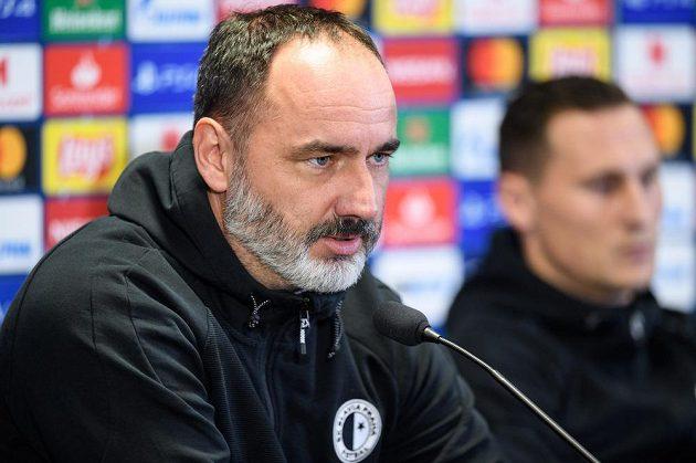 Trenér Slavie Praha Jindřich Trpišovský během tiskové konference před utkáním Ligy mistrů s Interem Milán.