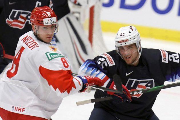Rus Ivan Morozov (vlevo) a Jacob Pivonka z USA.