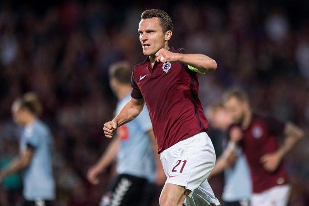 David Lafata oslavuje gól Sparty proti Sönderjyske.