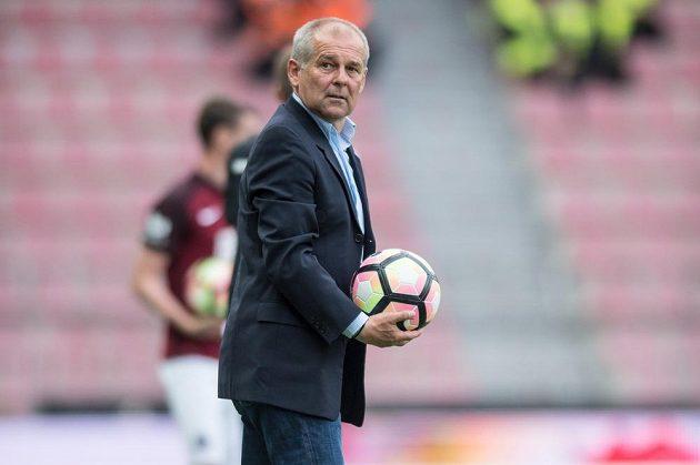 Trenér Sparty Petr Rada během utkání s Hradcem Králové.