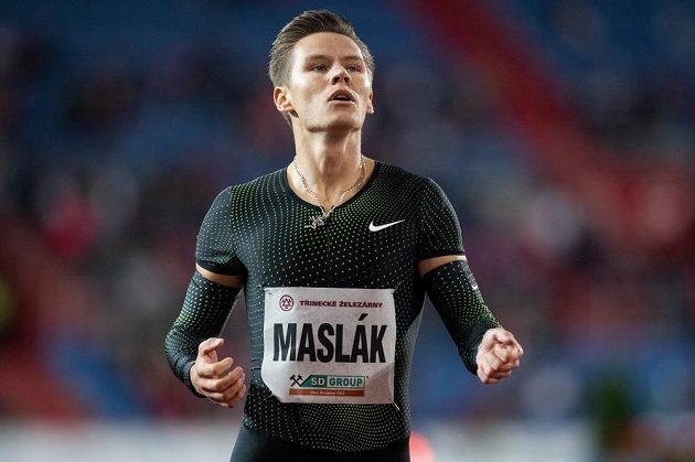 Na stupně se nedostal. Pavel Maslák skončil na 400 m čtvrtý.