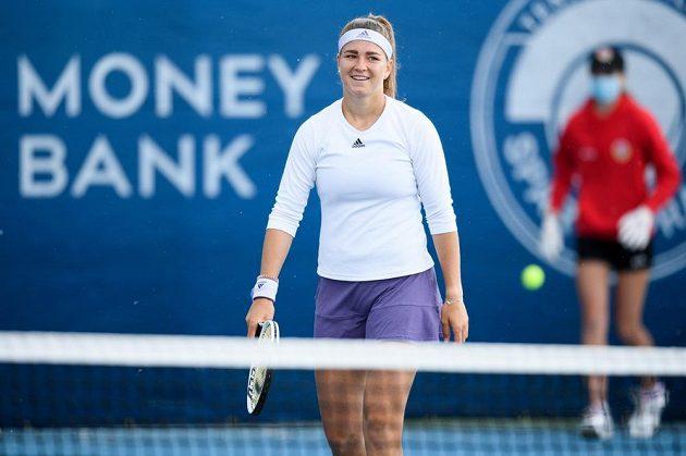 Karolína Muchová v zápase proti Petře Kvitové ve finále tenisového turnaje O pohár prezidenta ČTS.