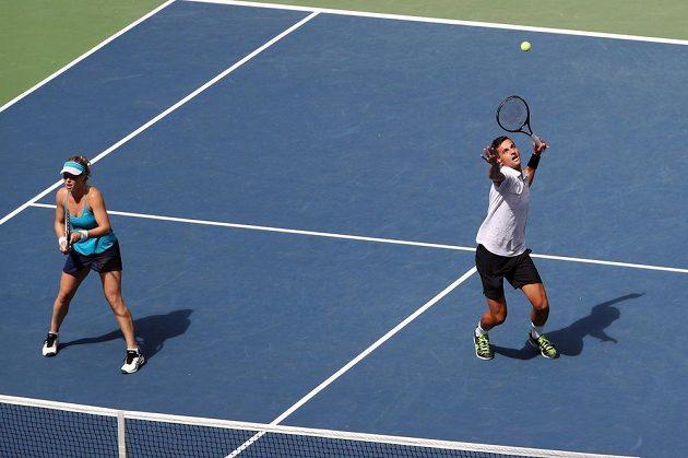 Němka Laura Siegemundová a Chorvat Mate Pavič ve finále mixu na US Open proti Američanům Coco Vandewegheové a Rajeevu Ramovi.