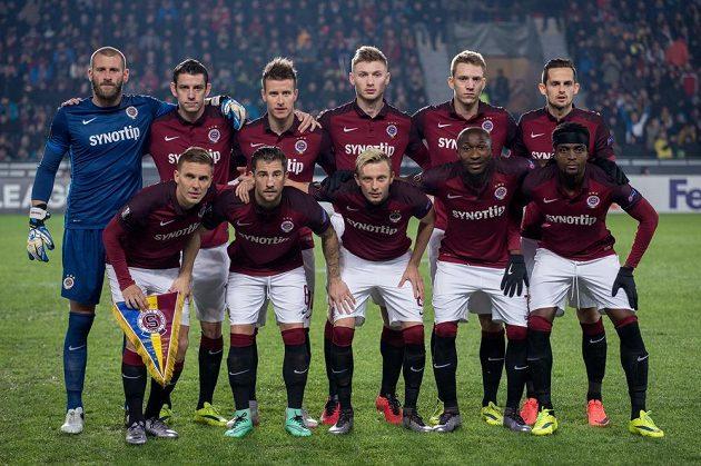 Mužstvo Sparty Praha během prvním utkáním play off Evropské ligy s Krasnodarem.