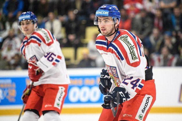 Český obránce Filip Pyrochta během utkání Euro Hockey Challenge se Švýcarskem