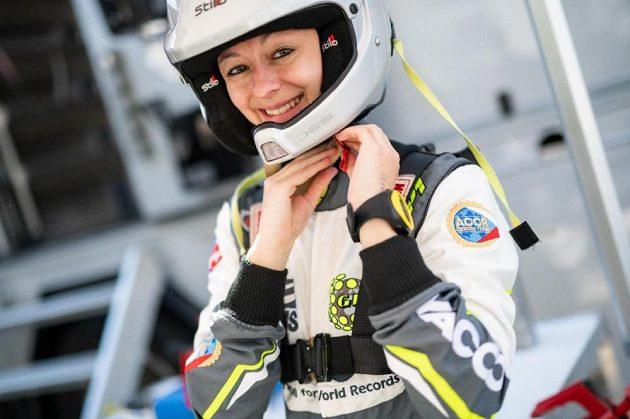 Navigátorka Jindřiška Žáková má pro strach uděláno, rychlost ji neděsí.