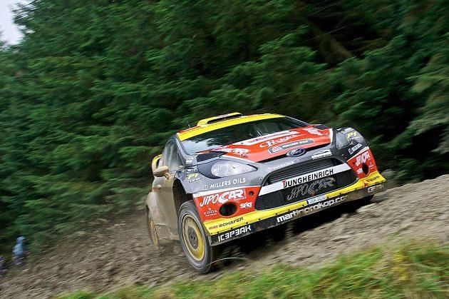 Martin Prokop s Fordem Fiesta WRC na trati Britské rallye 2013.