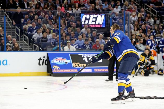 Obránce St. Louis Alex Pietrangelo mezi vybranými hráči NHL nejlépe přihrával.