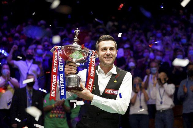 Hotovo. Angličan Mark Selby se stal počtvrté mistrem světa ve snookeru.