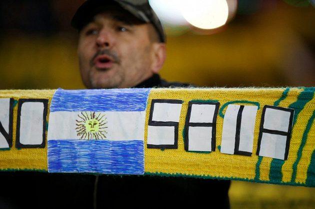 Fanoušci v Nantes vzdali hold bývalému hráči klubu Emilianu Salovi, který zmizel při leteckém neštěstí.
