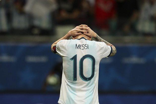 Argentinská superstar Lionel Messi v zápase na turnaji Copa América proti Kolumbii.