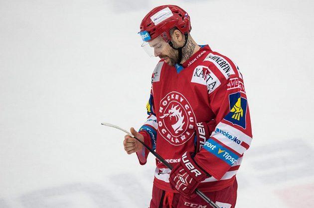 Zklamaný třinecký útočník Jakub Klepiš.