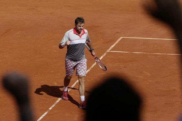 Vítězné gesto Švýcara Stana Wawrinky ve finále French Open.