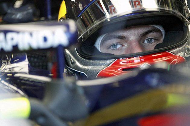 Hodně pozornosti budí mladík Max Verstappen ze stáje Toro Rosso.