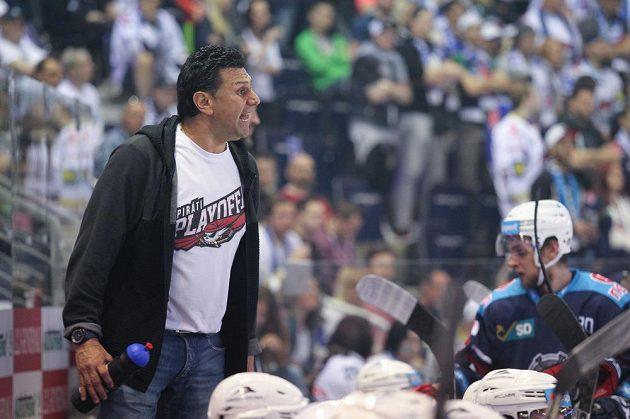 Emoce trenéra Chomutova Vladimíra Růžičky během druhého semifinále v Liberci.