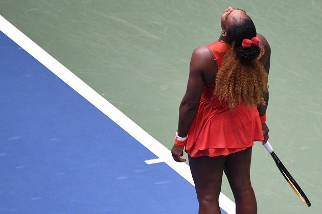 Serena Williamsová v duelu se Cvetanou Pironkovovou