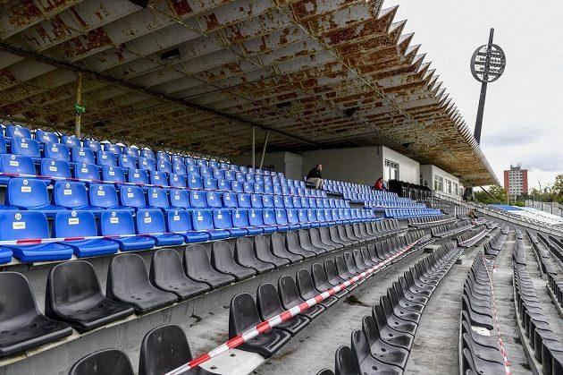Utkání 3. kola českého fotbalového poháru MOL Cupu Hradec Králové - Příbram se kvůli opatřením proti šíření koronaviru hrálo bez diváků.