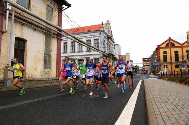 Půlmaratón v Ústí nad Labem nabízí netradiční industriální scenérie.