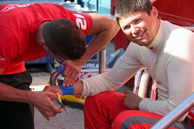 Martin Prokop se chystá na start Portugalské rallye.