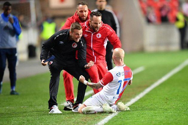 Miroslav Stoch (17) ze Slavie se raduje z gólu proti Mladé Boleslavi.