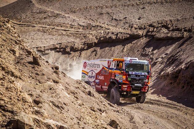 Aleš Loprais s kamiónem MAN při 8. etapě Rallye Dakar.