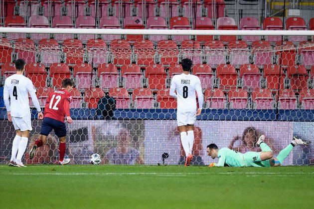Gól Vladimíra Daridy na 1:0 během utkáním Ligy národů s Izraelem.