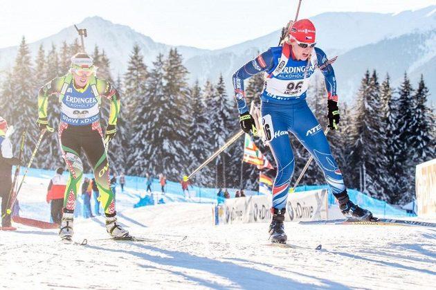 V Anterselvě nastoupila do sprintu i Barbora Tomešová (vpředu).