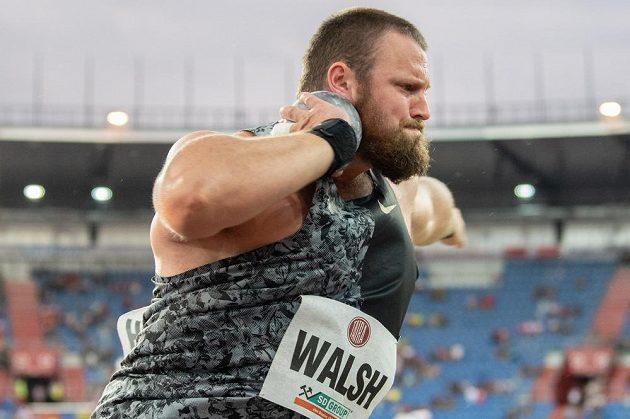 Koulař Tom Walsh během atletického mítinku Zlatá tretra.