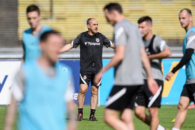 Trenér Sparty Praha Václav Kotal během prvního tréninku sezony 2020/2021 v tréninkovém centru na Strahově.