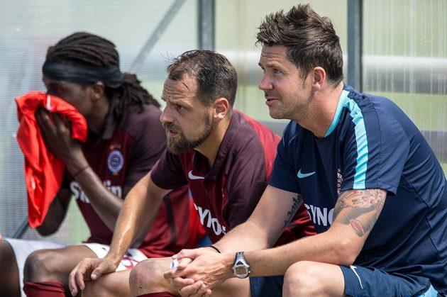 Nový člen realizačního týmu Sparty David Holoubek (vpravo) a Marek Matějovský během přípravného utkání s Trenčínem.