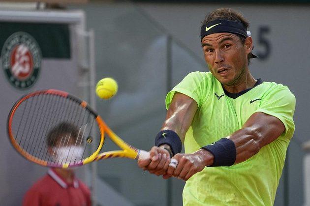 Španělský tenista Rafael Nadal v akci na French Open.