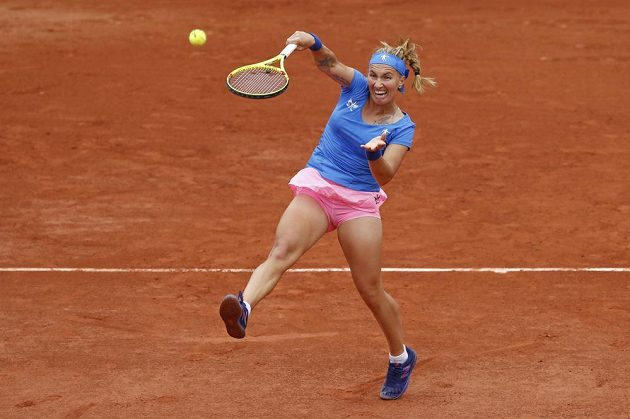 Ruská tenistka Světlana Kuzněcovová při smeči během prvního kola French Open.